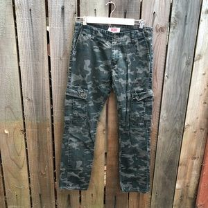 Levi's Women's Camo Cargo Jeans